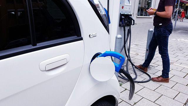 Autonomía de un coche eléctrico por ciudad
